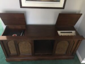 Antique record/stereo