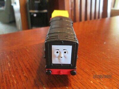 Thomas & Friends Trackmaster Motorized Train Engine TALKING DIESEL & Car 2010