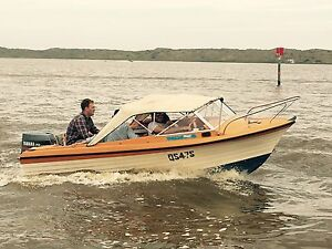 Sportcraft fibreglass runabout with 70Hp Yamaha outboard Dulwich Burnside Area Preview