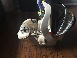 Graco snugride infant car seat and base