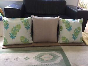 Large pillows Broadmeadow Newcastle Area Preview