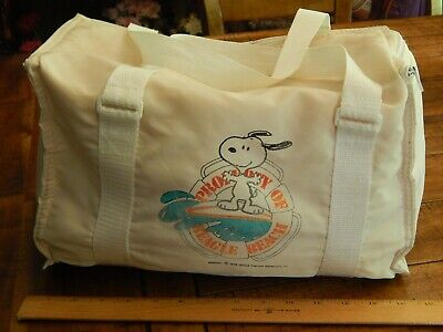 Peanuts by Charles Schulz ~ SNOOPY ~ Property of Beagle Beach ~ Insulated Bag ~ (Snoopy Beach Bag)