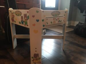 Calico Critters Cute and Charming Play Table