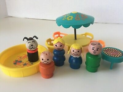 Vintage Fisher-Price Little People #726 Play Family House Patio Set COMPLETE