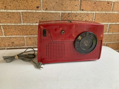 Vintage RED GE General Electric Radio Model 646 Tube Tested A.M.