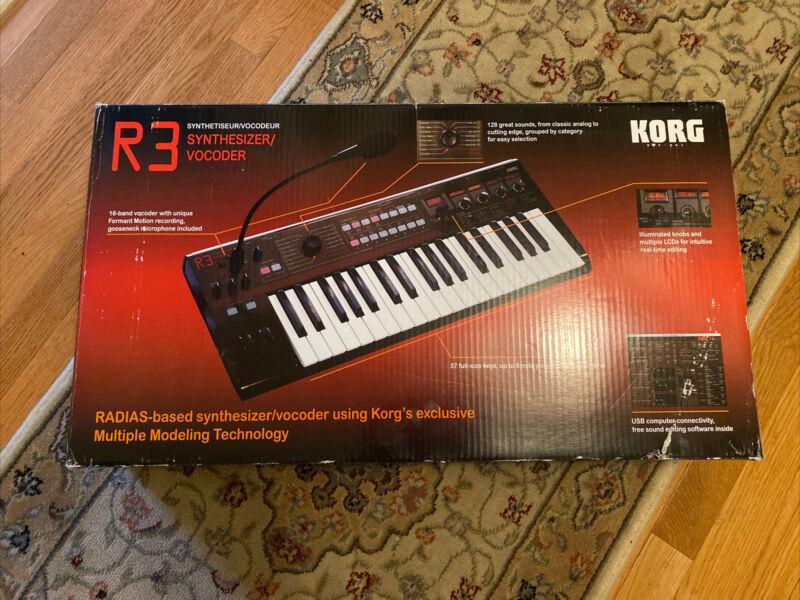 Korg R3 Synthesizer/Vocoder - 37 Key