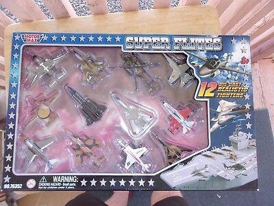 (Motor Max Super Flites Set of 12 Diecast Military Airplanes NIB)