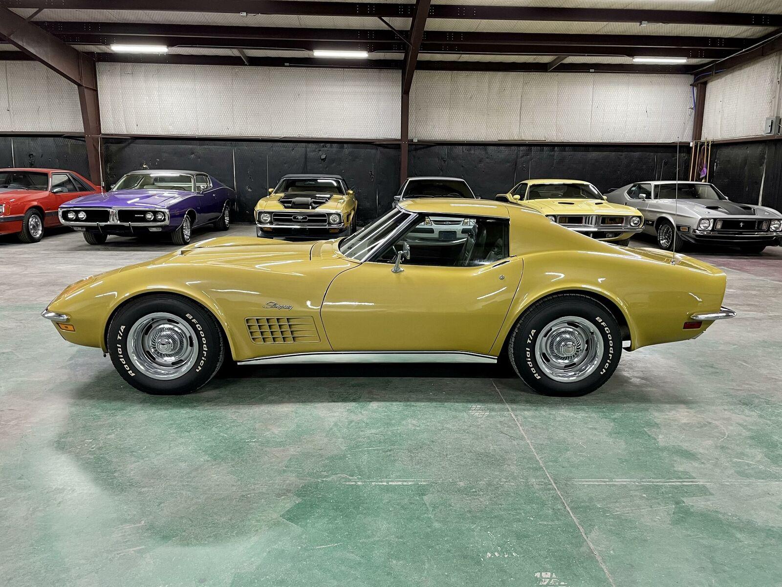 1972 Yellow Chevrolet Corvette   | C3 Corvette Photo 2