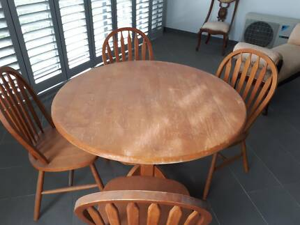 ERCOL VINTAGE Table And 4 Chairs