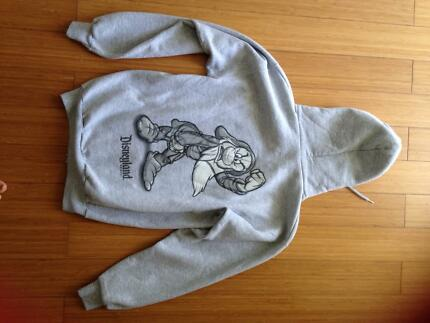 Disney Snow White Grumpy Jumper Size S Grey