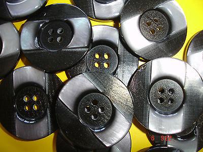 3 Knöpfe schwarz, silbergrau, borkige Oberfläche 27mm 4-Loch W97.5