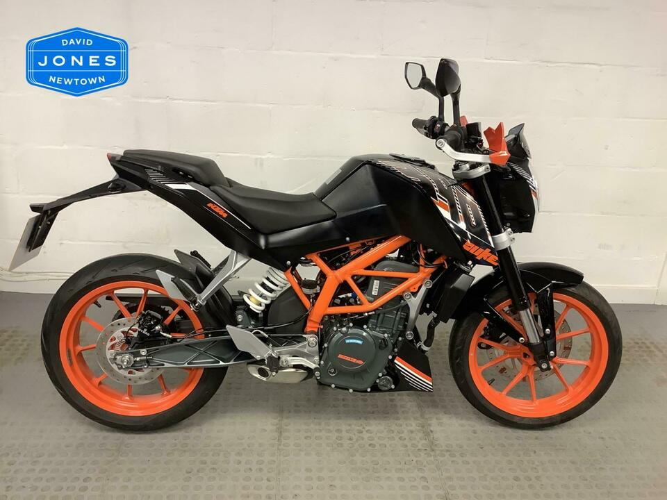 KTM 390 KTM390 DUKE 2016 / 66 - ONLY 580 MILES STUNNING CONDITION