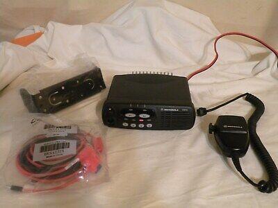 Motorola Cdm750 4ch 136-174 Mhz Vhf Radio Aam25kkc9aa1an As Is Please Read