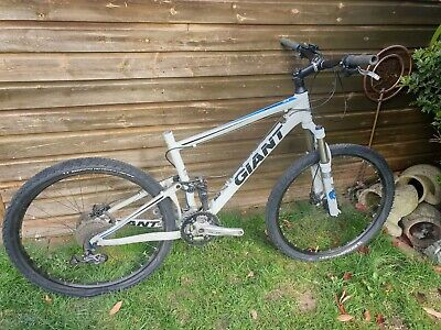 Giant Anthem X4 Mountain Bike Read listing  suspension bike Cambridgeshire