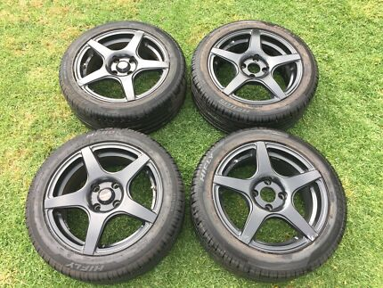 19 inch Black Mag Wheels with Tyres