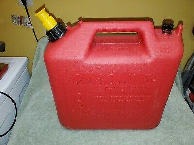 Wedco 5 Gallon Plastic Gas Can With Old Style Spout And Seal Disk
