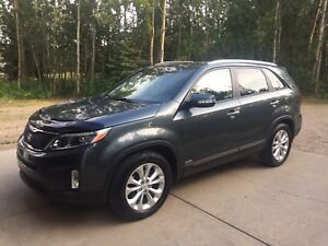 2014 Kia Sorento EX V6 **price reduced**