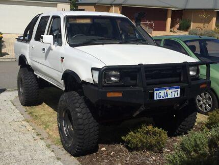 1991 2.4 Petrol hilux 22R LN105