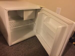 GE Mini Fridge $60