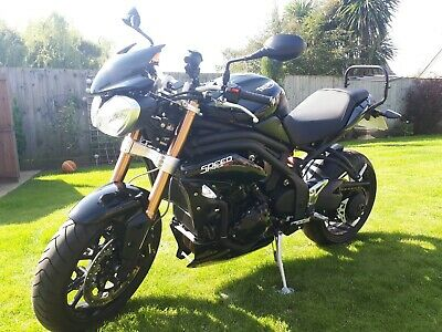Triumph Speed Triple 1050 2011. 13265 miles