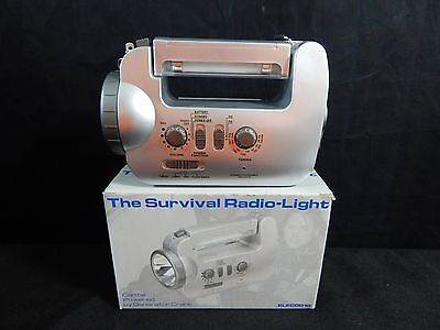 THE SURVIVAL RADIO-LIGHT GENERATOR CRANK FLASHLIGHT RADIO!