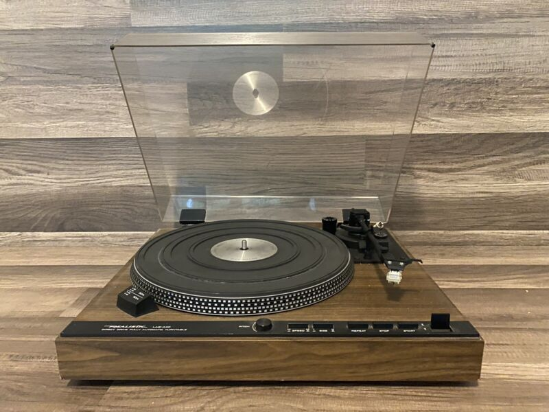 Realistic LAB-440 Direct Drive Fully Automatic Turntable *Tested*