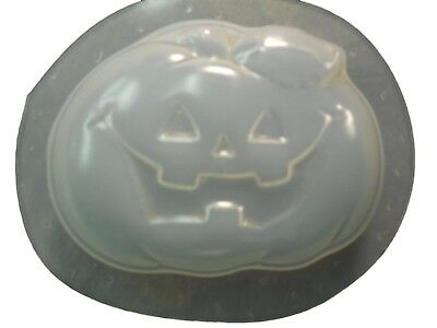Halloween Soap Making (QTY 2 - DECORATIVE HALLOWEEN PUMPKIN SOAP MOLD 4611)