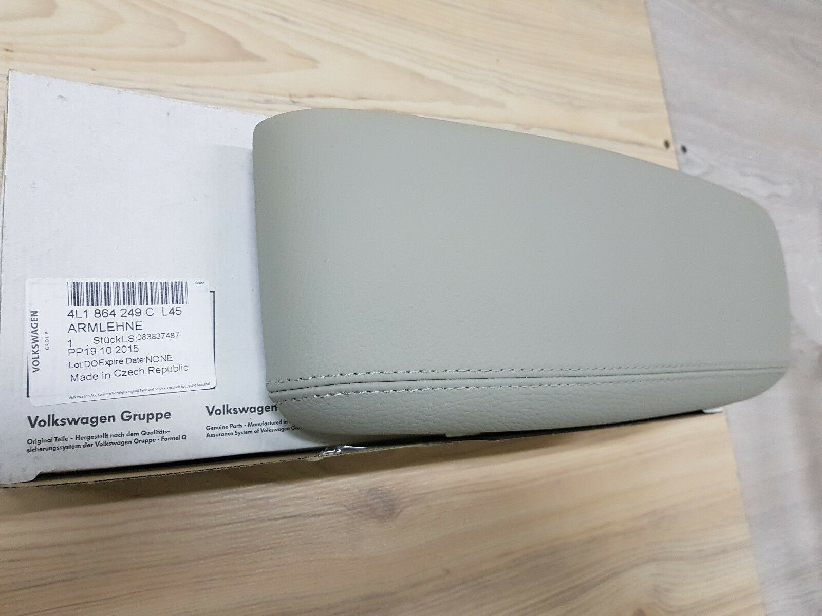 Audi Q7 05-15 OEM Center Console Armrest Left 4L1864249CL45 GENUINE