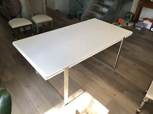 White high gloss dining table seats six