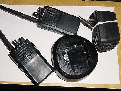 2 Vertex Standard Vx-261-d0-5 Vhf 136-174 Mhz Handheld Two-way Radio 5 Watts