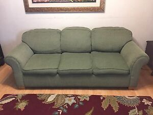 LAZ-y boy threeseater couch (with free delivery)