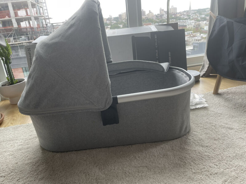 Uppababy stella Bassinet / used only few times