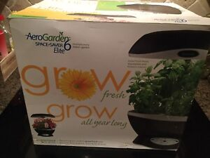 Aero garden space saver 6 Elite indoor Garden Grower (New)