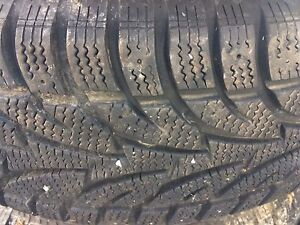 Pneu a vendre. Tire for sale