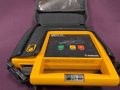 Medtronic Physio-control Lifepak 500 Biphasic Aed Defibrillator With Case
