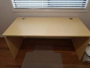 Office/home study furniture set: desk, 2x bookshelves & more