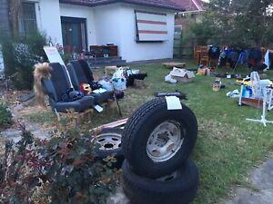 Garage sale / yard sale