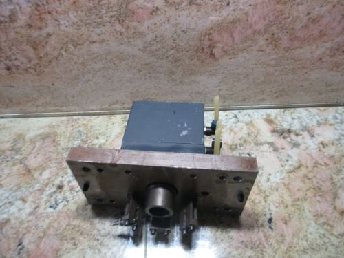 ALPHA CONTROLS CINCINNATI ARROW 750 ERO CNC MILL SPINDLE TOOL KNOCK OUT CYLINDER