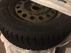 Pneu hiver 215-60R16 / Winter Tire 215-60R16