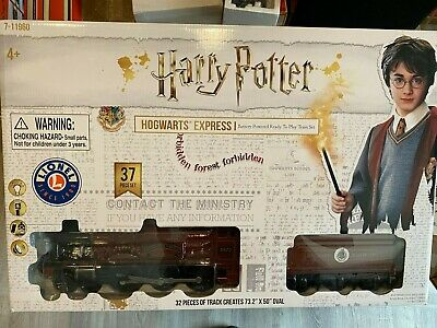 Lionel 7-11960 HARRY POTTER Hogwarts Express Train Set Battery Operated