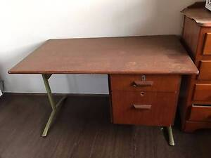 Desk with 2 drawer for free Liverpool Liverpool Area Preview