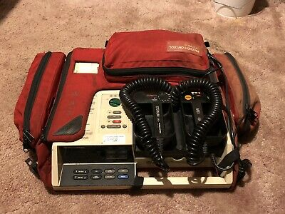 Physio-control Lifepak 10c With Carrying Case And Pediatric Paddle Adapter