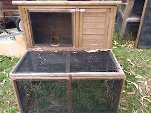 Rabbit hutch Bunny cage guinea pig 2/4 Warrimoo Blue Mountains Preview