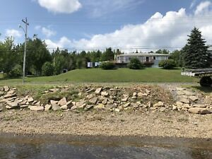 Beautiful 4 bedroom home for rent on the Mira River