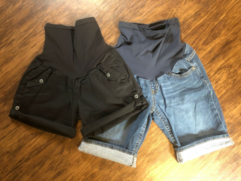 Lot of 2 Shorts Motherhood Maternity & Indigo Blue Medium Black and Jean Shorts