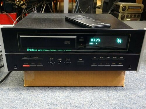 McIntosh MCD7000 CD Player, remote included