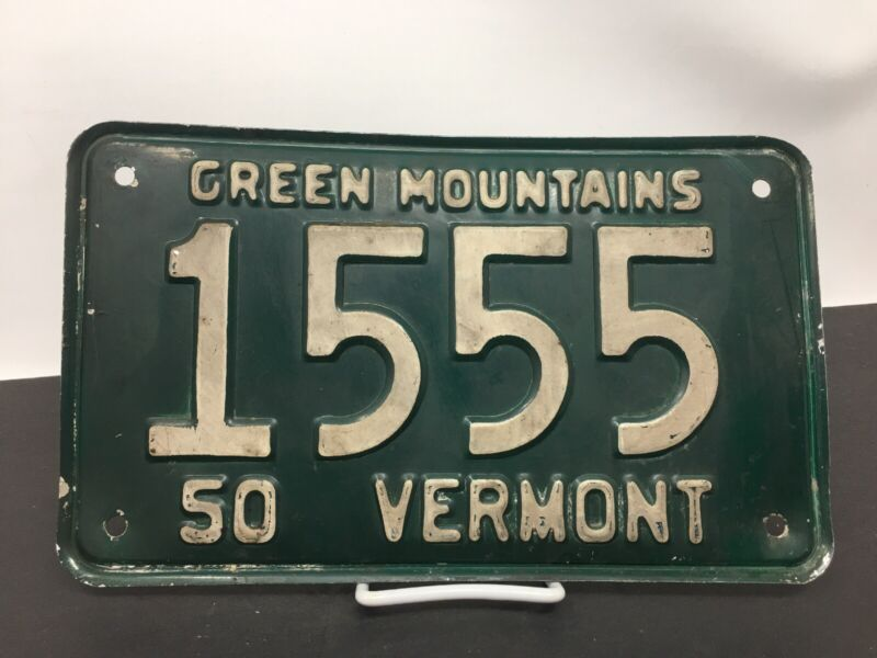 Vermont License Plate Vintage 1950 GREEN MOUNTAINS # 1555