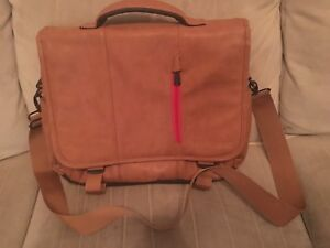 Snugg laptop bag (excellent condition) FREE DELIVERY
