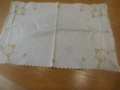 VINTAGE WHITE COTTON LINEN EMBROIDERED TRAY CLOTH DRESSING SIDEBOARD TABLE MAT