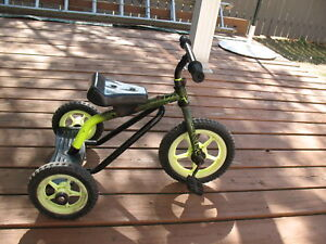 Small tricycle  ok condition